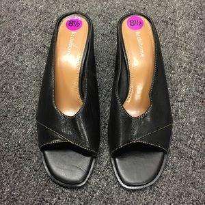 New Black Liz Claiborne slides size 8 1/2